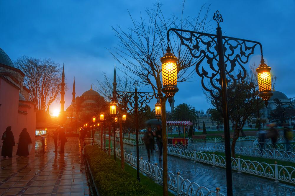 مسجد السلطان احمد اشهر الاماكن السياحية في اسطنبول