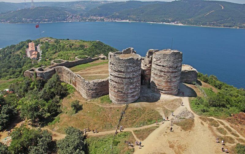 المناطق السياحية في تركيا قلعة يوروس