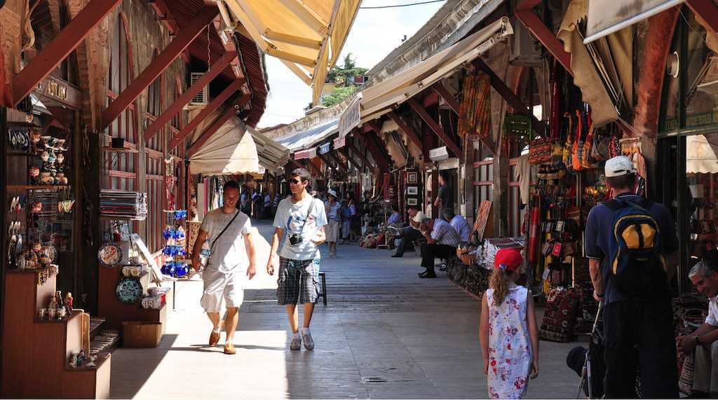 سوق محمود باشا في اسطنبول
