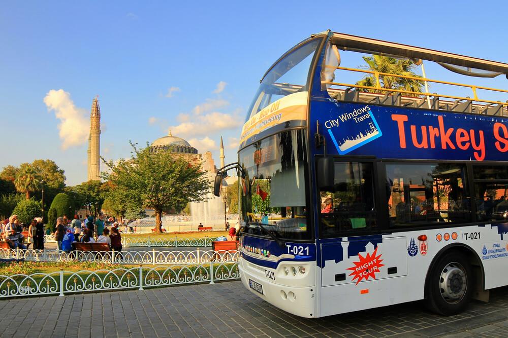 الباص السياحي في اسطنبول