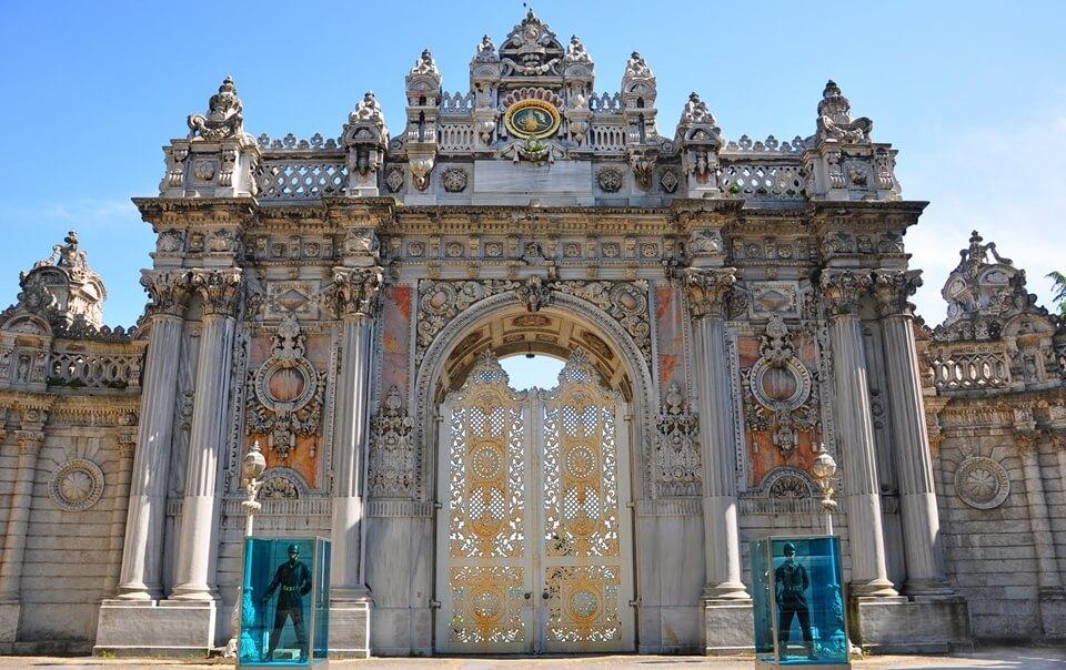 قصر دولمابهتشة